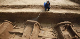 Archaeologists discover 4000 years old chariots