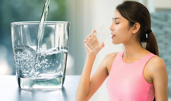 Woman should know how much water to drink during pregnancy